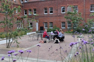 Girton College, outdoor working